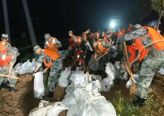 中部战区持续增派兵力投入河南抗洪抢险任务