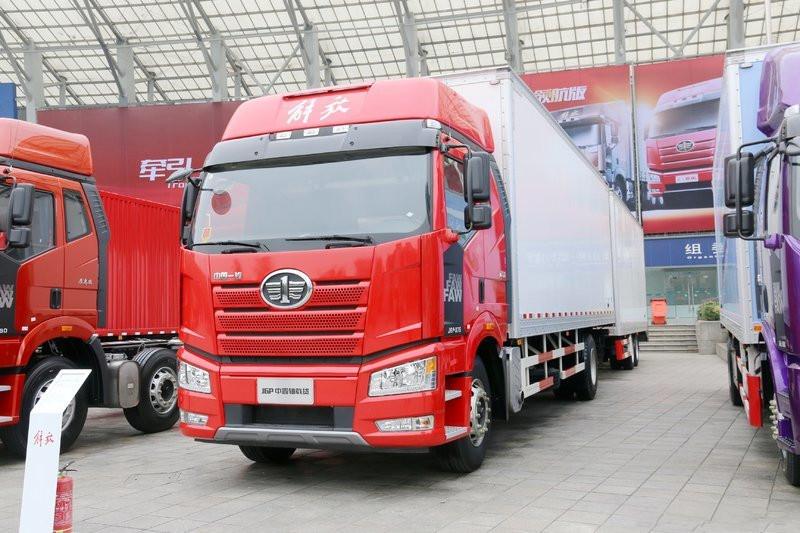 """解放J7 8×4载货车郑州上市!一汽解放如何打造载货车的""""天花板"""""""