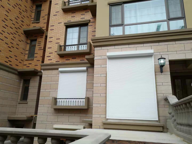 住宅卷帘窗安装与施工