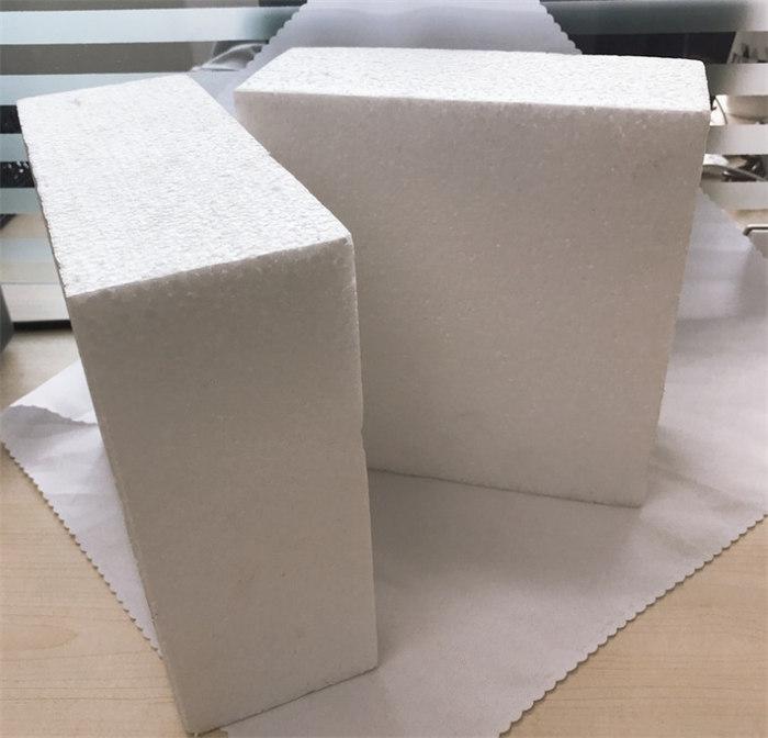 张家口保温泡沫板安装在外墙上如何固定?