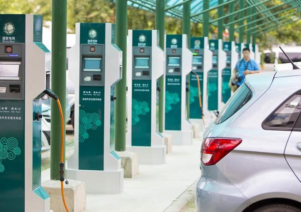 河南汽车充电桩厂家是如何看待直流和交流?