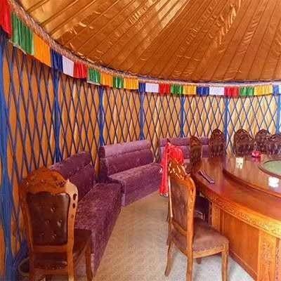 传统的蒙古包内部装饰是怎样的,它的标配物件有哪些?