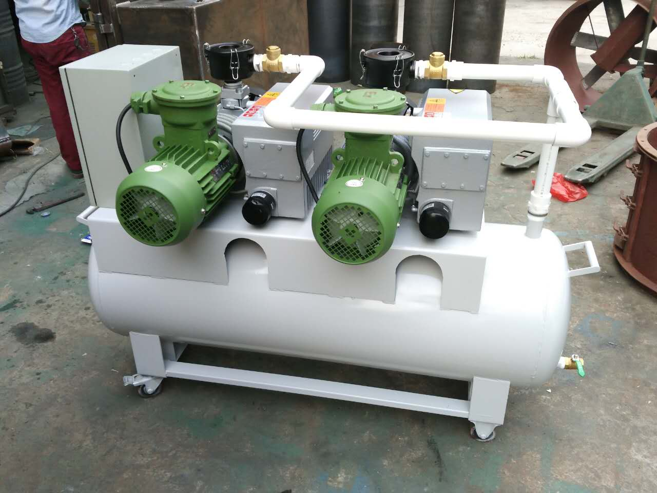 防爆电机一备一用真空泵站