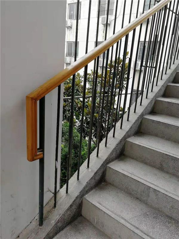 西安铁艺楼梯扶手安装
