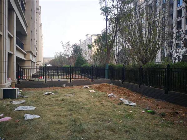中铁花语城围栏案例