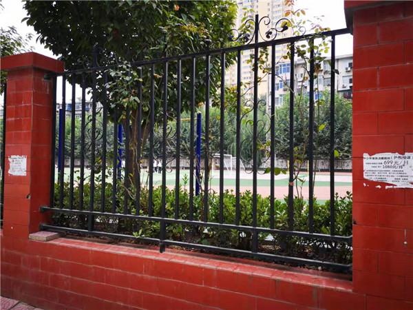 如何安装铁艺护栏?都有哪些施工流程?