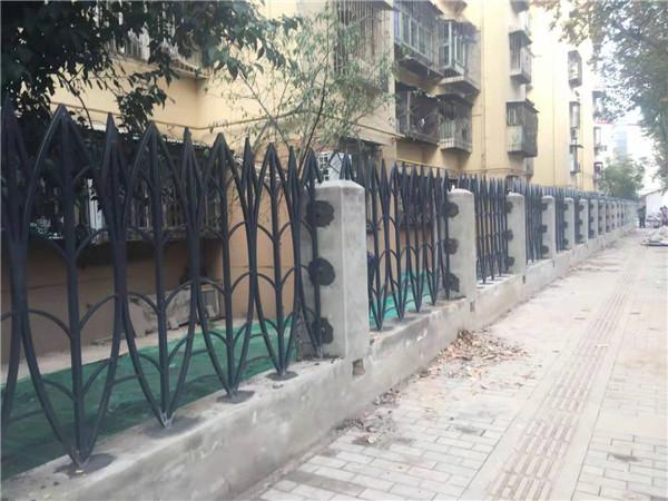 纺三路全段改造围栏案例