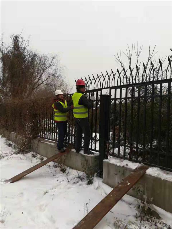 铁艺围栏安装现场