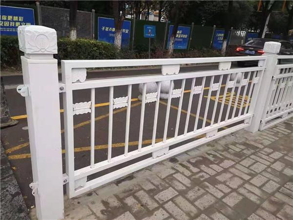 你了解市政道路护栏吗?小编给大家介绍一下。