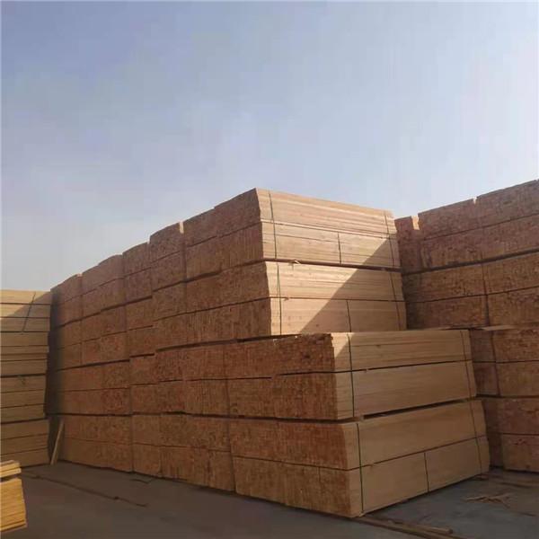 小编给大家介绍建筑木方在使用起来保养上有什么注意事项呢