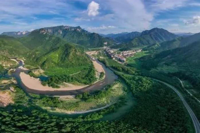 公路边坡绿化常用的种植方法有哪些?贵州水土保持方案小编告诉大家