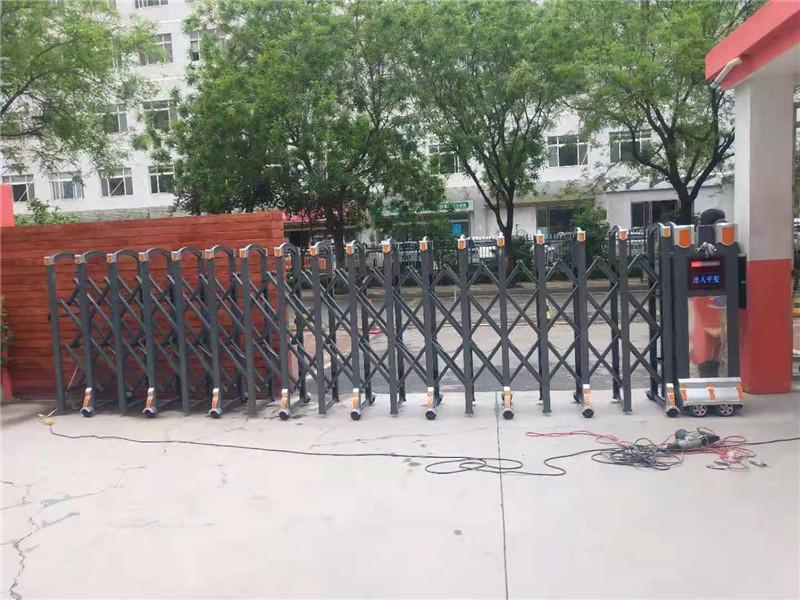 电动伸缩门的使用与日常养护。