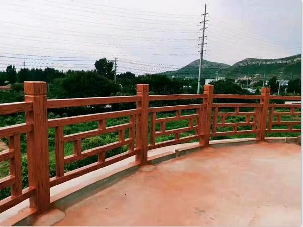 商丘某景区仿木护栏案例