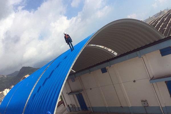 钢结构拱形屋顶的的优势主要表现在8个方面