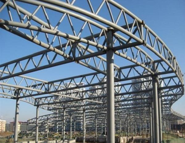 想要在建筑中做钢结构就需要考虑到这些因素