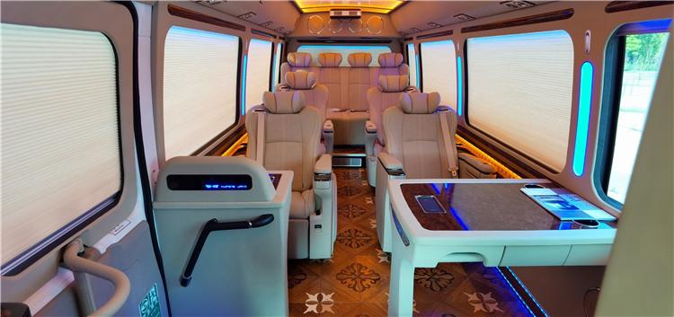 2021款丰田考斯特10座商务车改装考斯特蒙娜丽莎版