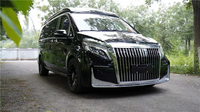 2022款奔驰-V260L高顶全隔断四座商务车