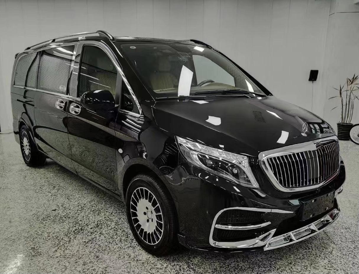 2022款奔驰-V260L平顶商务车