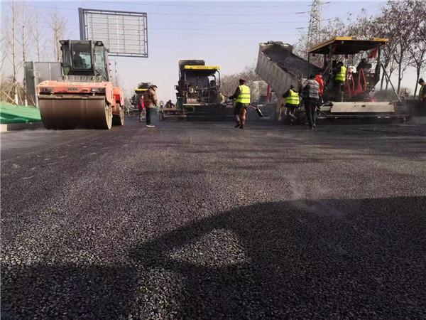 西安二灰石路面铺设