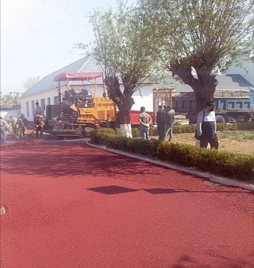 彩色沥青路面可分为三类结构不同的路面