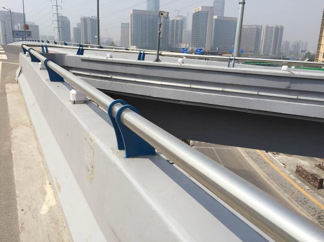 四川钢护栏安装
