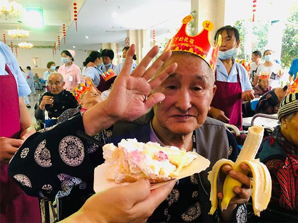 巴中养老机构生日宴举办