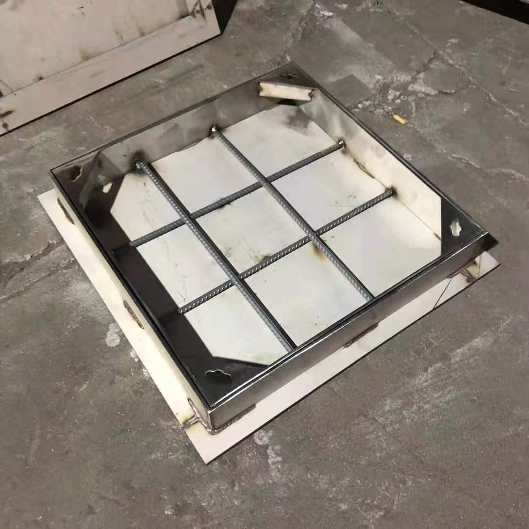 河南不锈钢井盖安装案例
