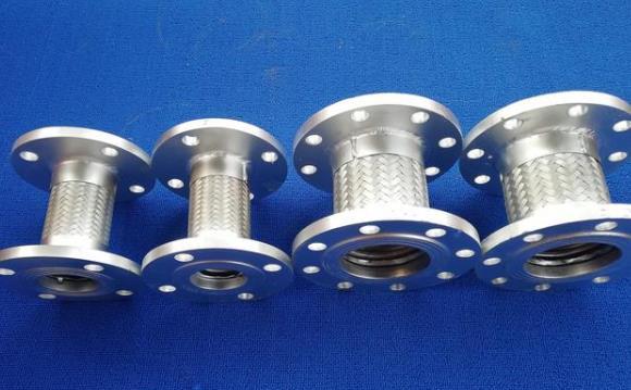 现代工业管路中的一种高品质柔性管道