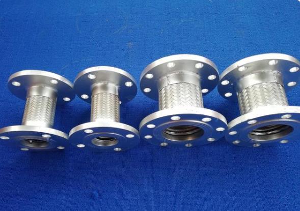 304法兰式金属软管的耐腐蚀性及生产工艺