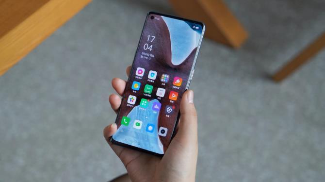 国产手机创新还得靠三星?曝三星零边框屏量产,超越iPhone12