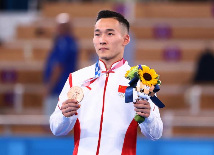 肖若腾获得男子自由体操铜牌
