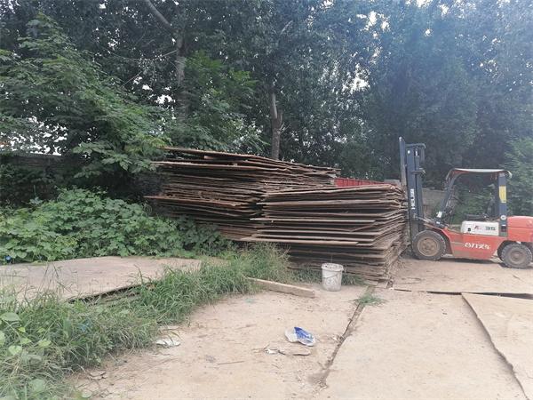 在租赁陕西钢板时,怎样区分质量好坏?