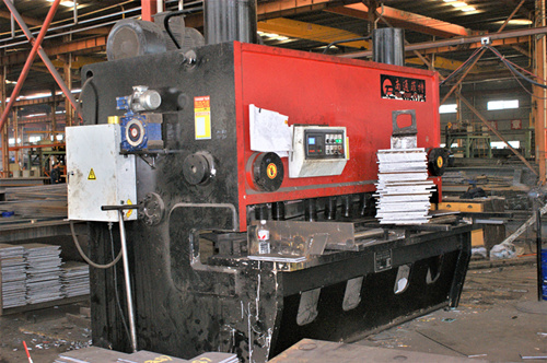 钢结构厂房如何施工,钢结构厂房的施工流程是怎样的?