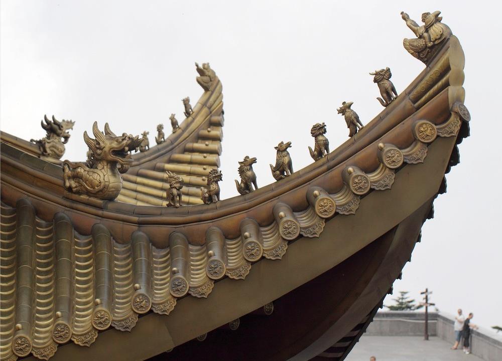 铜走兽、铜瓦屋面
