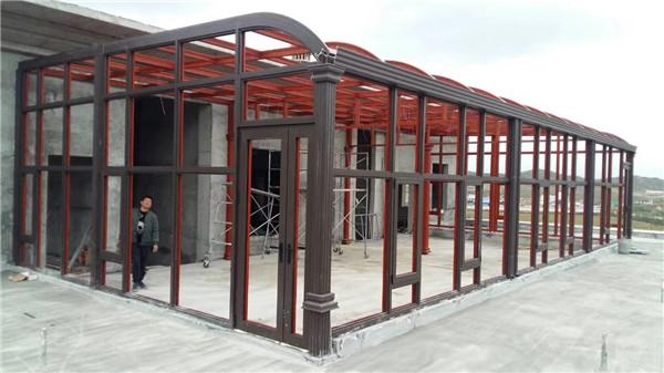 现在让我们一起去跟随陕西工作人员去学习一下断桥铝门窗的八大误区