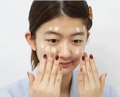 学会了遵义麒安化妆培训学校的6个化妆技巧不信你美不起来!