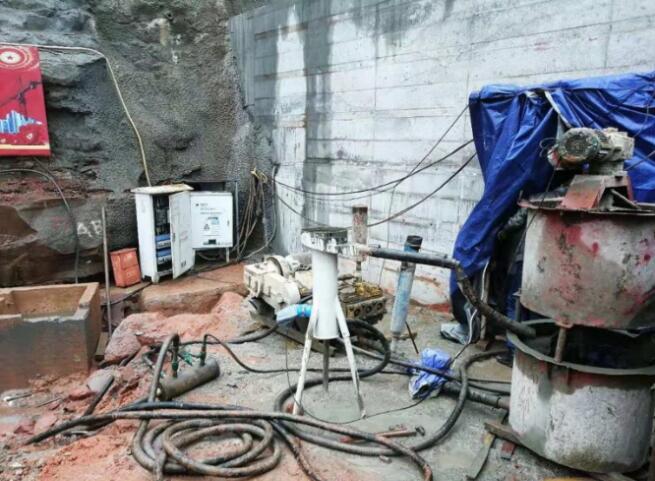 缙云山隧洞灌浆工程中使用了鼎盛华瑞灌浆记录仪