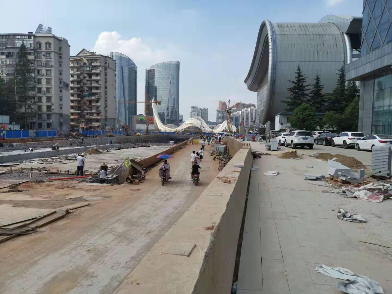 武汉光谷步行街灌浆工程中使用了鼎盛华瑞灌浆记录仪