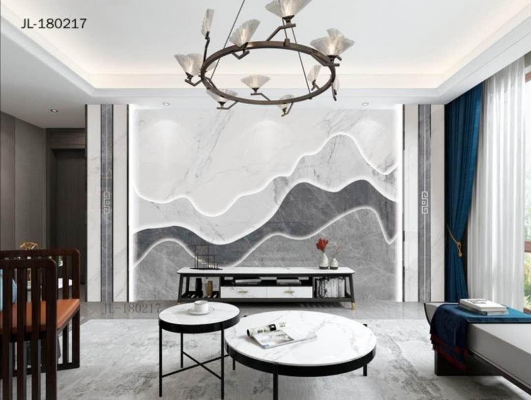 客厅用灰色做主基调,巧妙运用黄铜元素与恰到好处的软装互相映衬
