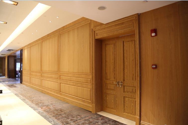 酒店使用成都木飾面裝飾的原因有哪些呢?