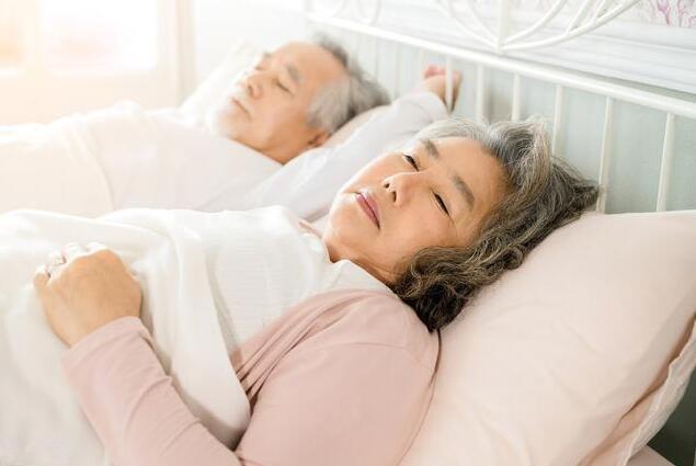 如何提高老年人的睡眠质量?