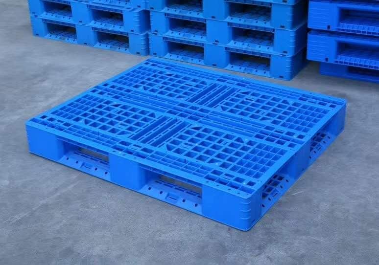 为什么常见的塑料托盘都是蓝色系?