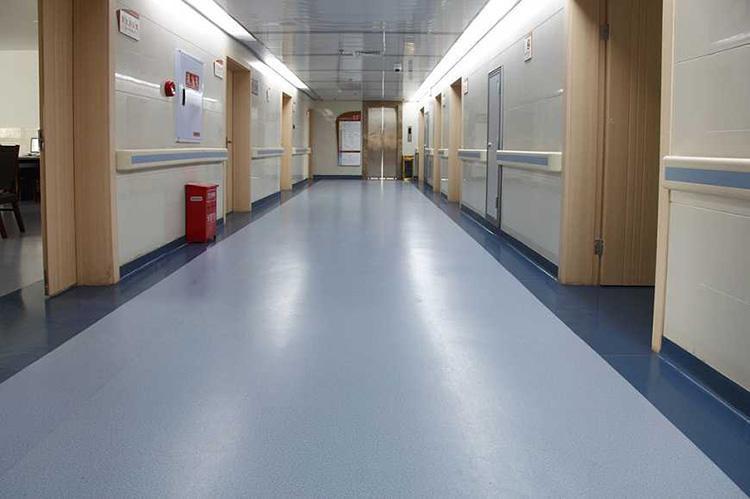 医院自流平水泥施工案例