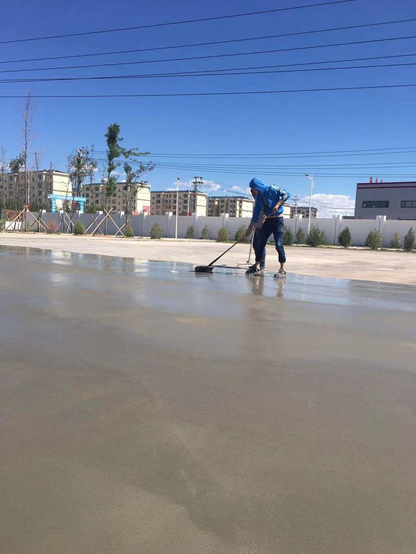 道路修补砂浆现场施工