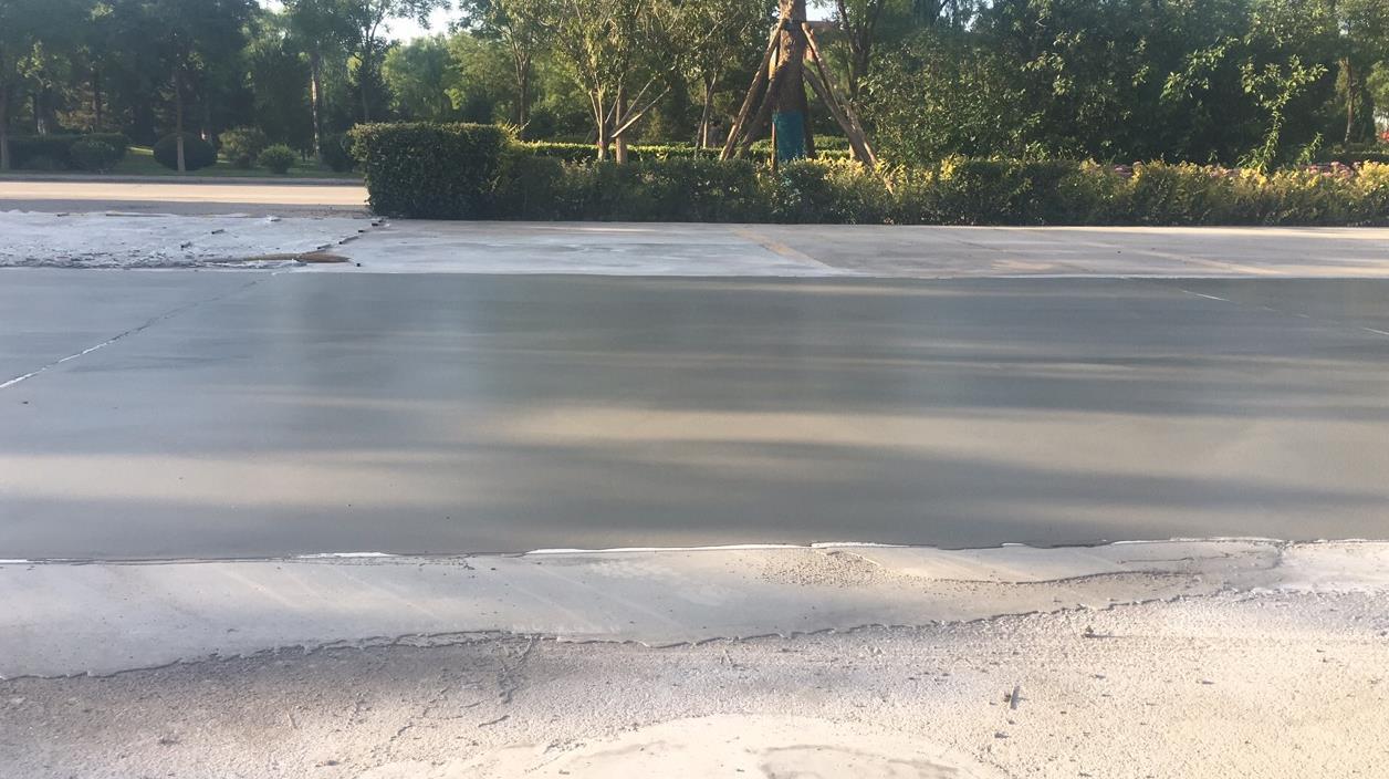 如何保证起砂路面的修补强度?