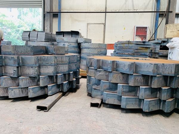 河南中厚鋼板切割廠家