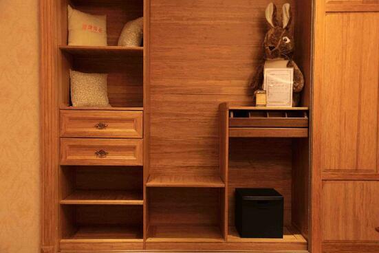 在西安整体定制衣柜怎么选择好?