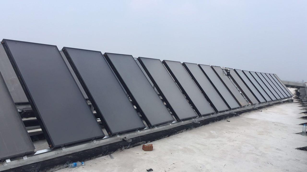 中国北方以太阳能为基础平台的采暖和生活热水系统