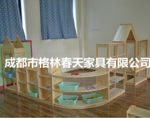 四川幼兒園玩具柜成功案例