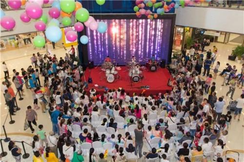 """盛龙广场 """"六一儿童节""""架子鼓表演活动现场"""